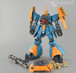 Picture of Gyunei Guss's Jagd Doga Built & Painted RE/100 1/100 Model Kit