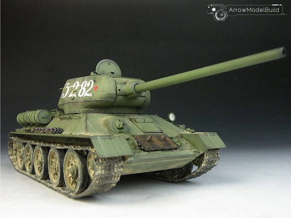 Picture of T-34/85 Medium Tank Built & Painted 1/35 Model Kit