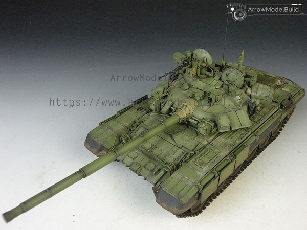 Picture of T-90 Main Battle Tank Built & Painted 1/35 Model Kit
