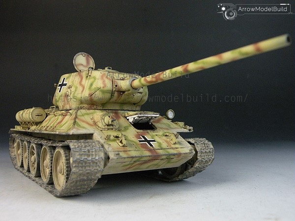 Picture of T-35/85 Tank Built & Painted 1/35 Model Kit