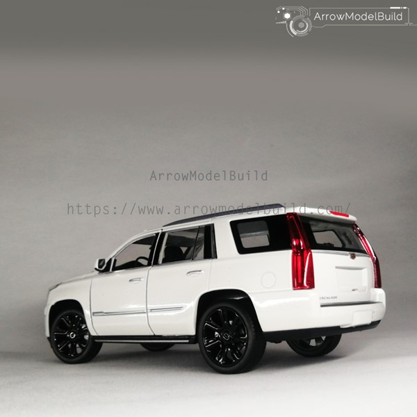 Picture of Cadillac Escalade Custom Color (Matte Black Wheels) 1/24 Model Kit