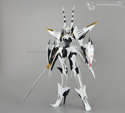 Picture of The Five Star Stories White Phantom Built & Painted 1/100 Model Kit