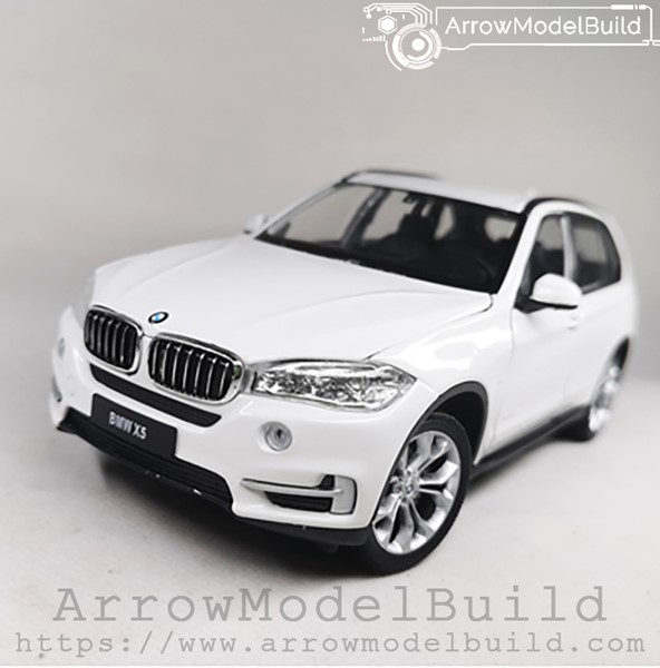 Picture of ArrowModelBuild BMW X5 (Mineral White) 1/24 Model Kit